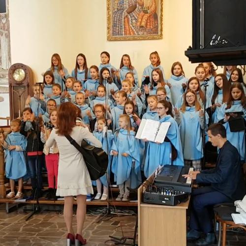 Wesoła religijna piosenka dla dzieci z pokazywaniem - Jangok